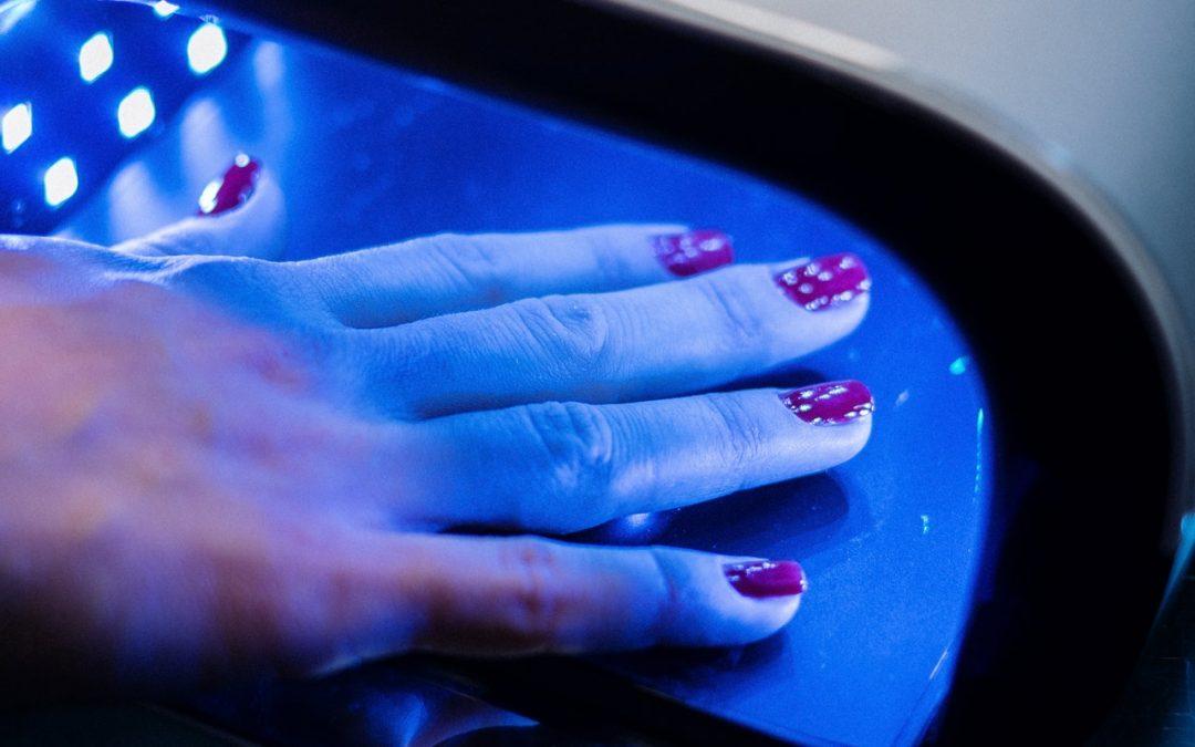 Voici les Meilleures Lampes UV pour vos Ongles
